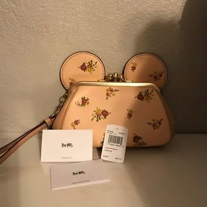 ‼️TRYING TO SELL TODAY Coach Minnie Mouse wristlet